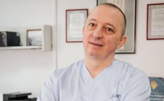 Лантух Евгений Владимирович: ✓Врач-офтальмолог, ✓Микрохирург, ✓Высшая категория, ✓Специализируется на лечении катаракты. Картинка