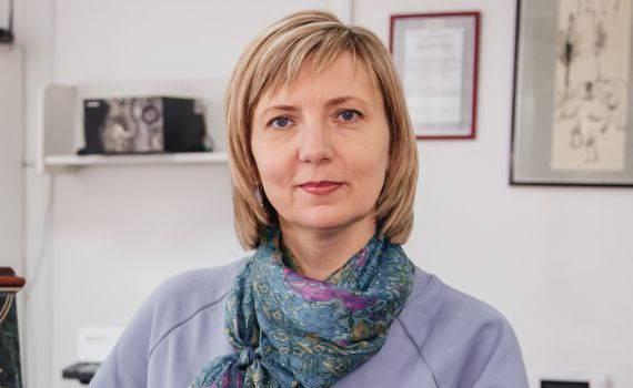 Шитова Юлия Николаевна. Администратор Клиники профессора Лантуха. Картинка